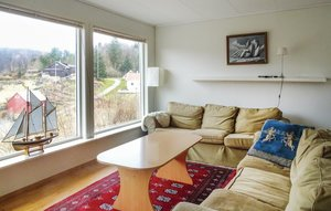 Apartment In Hidrasund thumbnail 1