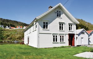 House In Feda thumbnail 4