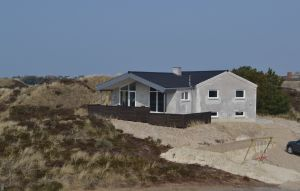 House In Henne thumbnail 3