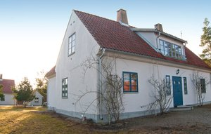 House In Lärbro thumbnail 1